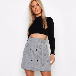 Boohoo Check Belted Skirt NWT Size 18